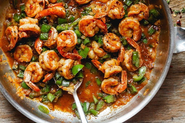 Spicy Shrimp and Green Peppers Skillet #shrimp #recipe #dinner #lunch #snack
