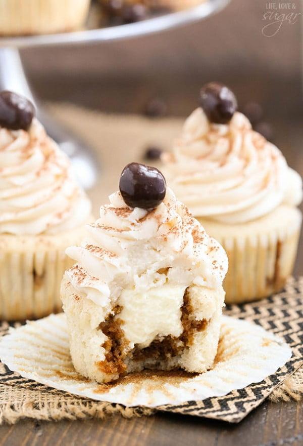 Easy Tiramisu Cupcakes #tiramisu #recipe #dessert