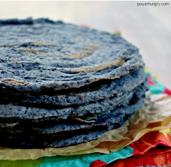 1-Ingredient Black Bean Tortillas {Grain-Free, Vegan} #tortilla #recipe #mexicanfood #dinner #lunch