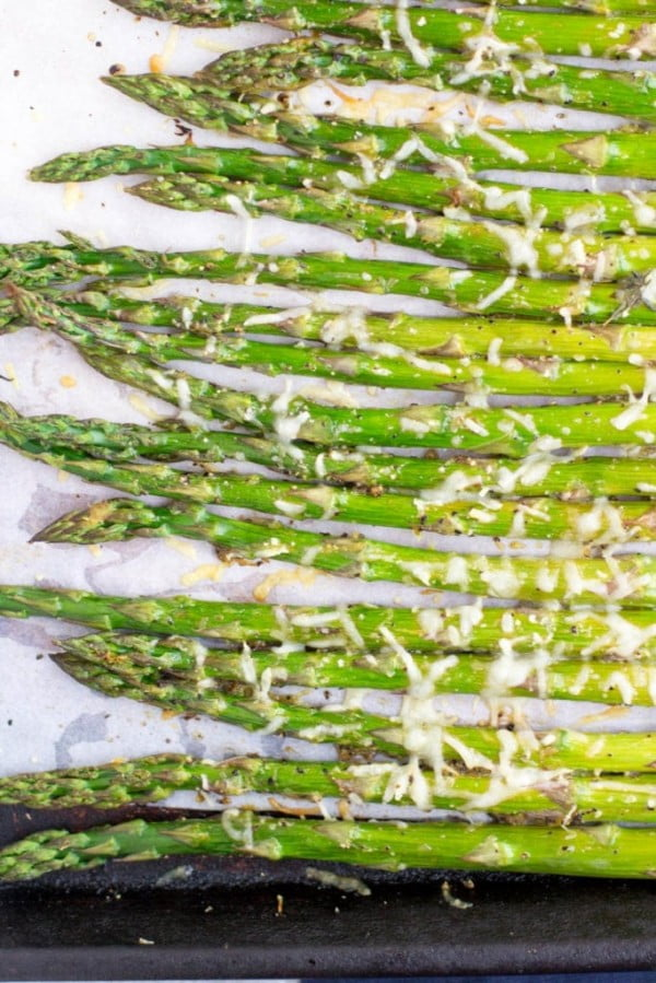 Healthy Lemon Parmesan Roasted Asparagus #vegetables #side #dinner #recipe