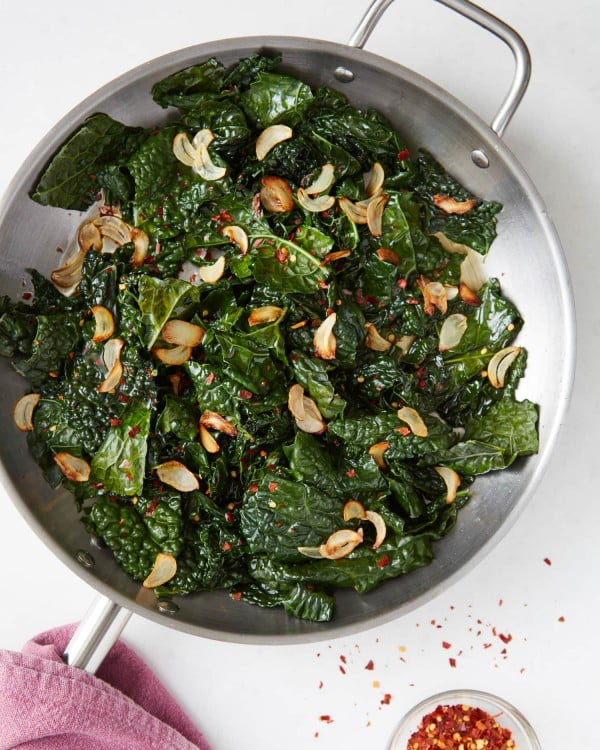 Recipe: Easy Skillet Kale with Lemon & Garlic #vegetables #side #dinner #recipe