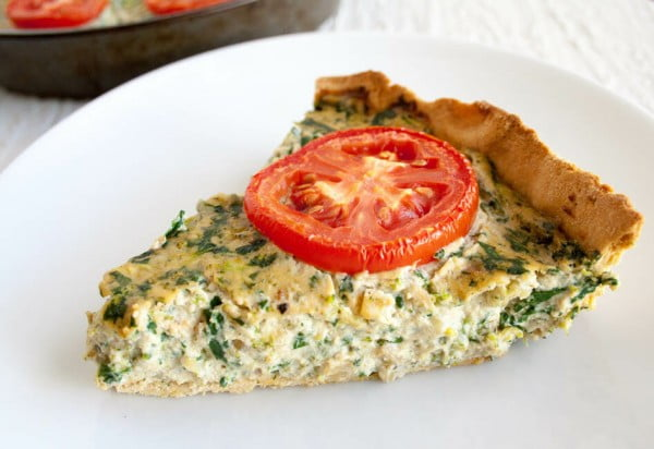 Spinach and Broccoli Vegan Quiche - #vegetarian #healthy #breakfast #recipe
