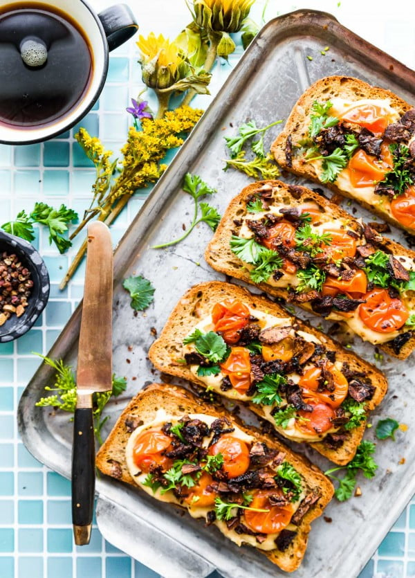 Vegan Mushroom Bacon Breakfast Toast (Gluten Free) #vegetarian #healthy #breakfast #recipe