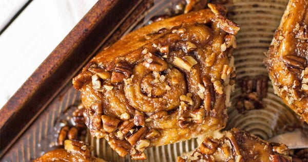 Overnight Vegan Pecan Sticky Buns #vegetarian #healthy #breakfast #recipe