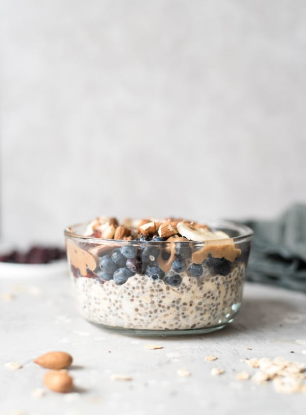 Banana Blueberry Chia Overnight Oats #vegetarian #healthy #breakfast #recipe