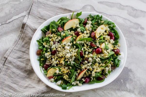 Gorgonzola Cheese and Apple Salad #vegetarian #salad #recipe #healthy