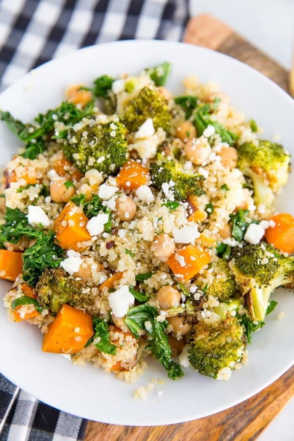 Roasted Broccoli Quinoa Salad #vegetarian #salad #recipe #healthy