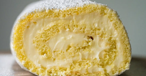 This Lemon Swiss Roll Cake Is SO Much Easier To Make Than You Think #lemon #dessert #recipe