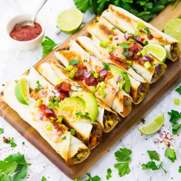 Vegan Taquitos with Chipotle Sauce #taquitos #mexican #mexicanfood #snack #lunch #recipe