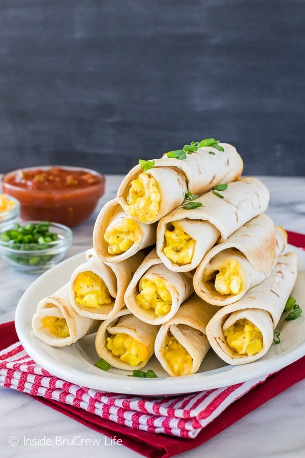 Green Chile Egg Taquitos #taquitos #mexican #mexicanfood #snack #lunch #recipe