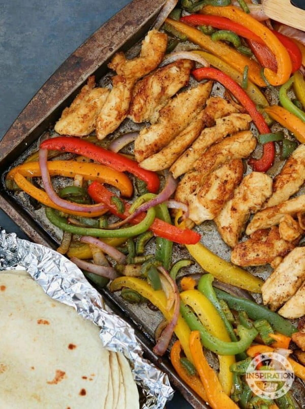 Weight Watchers Sheet Pan Chicken Fajitas · The Inspiration Edit #weightwatchers #recipe #dinner #healthy